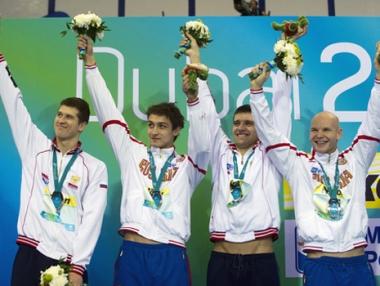 روسيا تفوز بفضية سباق التتابع في بطولة العالم للسباحة بدبي