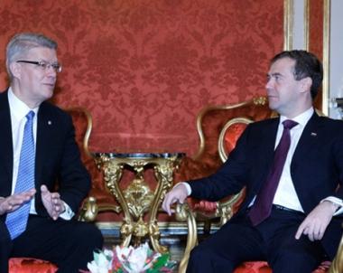 مدفيديف يشيد بنتائج اول زيارة رسمية لرئيس لاتفي الى روسيا منذ عام 1991