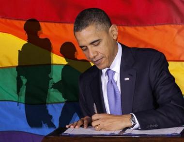 أوباما يوقع مرسوما يلغي القيود على أداء الشواذ جنسيا الخدمة العسكرية في الجيش الامريكي
