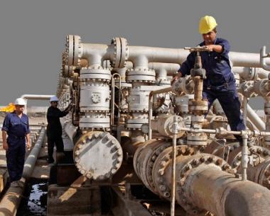 وزير النفط العراقي: حجم انتاج النفط في البلاد سيبلغ 3 ملايين برميل يوميا عام 2011