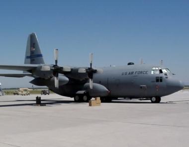 طائرة عسكرية امريكية تقوم بهبوط اضطراري في مطار آلما اتا