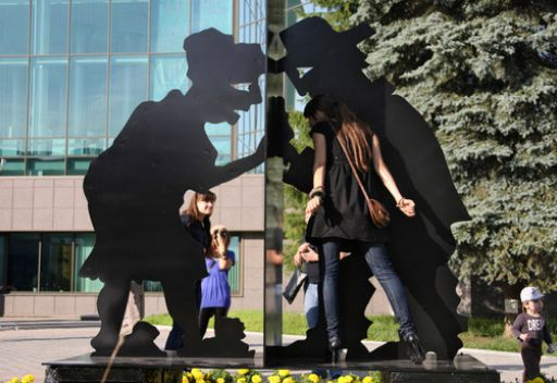 وللفضوليين تمثالهم في روسيا