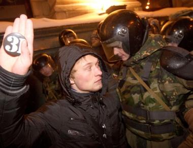 احتجاجات في موسكو على قرار المحكمة في قضية خودوركوفسكي.. واحتجاز نحو 70 شخصا