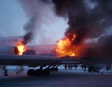 العثور على الصندوقين الأسودين للطائرة المحترقة في مدينة سورغوت بسيبيريا