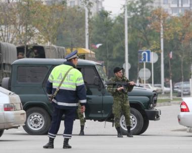 مقتل شخصين، جندي ومدني ، بالاضافة الى مسلح ارهابي اثناء تبادل لاطلاق النار في العاصمة الشيشانية