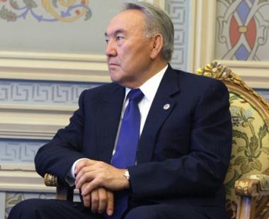 البرلمان الكازاخي يتجاوز حق الفيتو الذي فرضه الرئيس نزاربايف على اجراء استفتاء حول تمديد صلاحياته