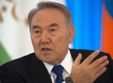 نزاربايف يرفض تعديلات الى الدستور حول تمديد صلاحياته حتى عام 2020 ويعلن عن استعداده لخوض الانتخابات في عام 2012