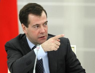 مدفيديف: يجب تخفيض مستوى الفساد في القضاء الروسي وتعزيز استقلاله