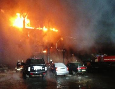 مصرع شخصين في حريق كبير بمركز تجاري في مدينة أوفا الروسية