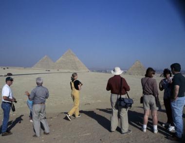 روسيا تحذر رعاياها في مصر من زيارة القاهرة وغيرها من المدن التي تشهد احتجاجات
