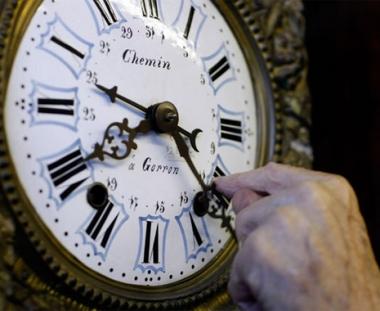 مدفيديف: الانتقال الى التوقيت الشتوي في روسيا سيلغى ابتداء من الخريف القادم