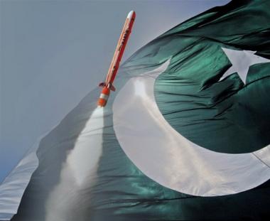 تجربة صاروخ مجنح قادر على حمل رأس نووي في باكستان