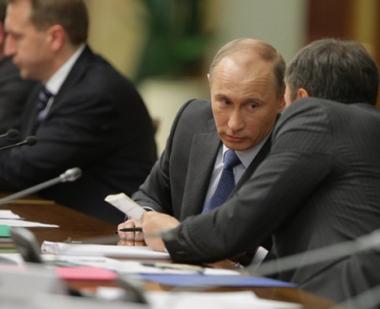 بوتين يعرض على حكومته اجمال نتائج نشاطها قبيل الانتخابات البرلمانية والرئاسية المقبلة
