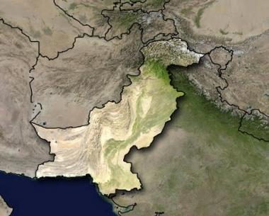 الاسلاميون يفجرون 5 مدارس علمانية في شمال غربي باكستان