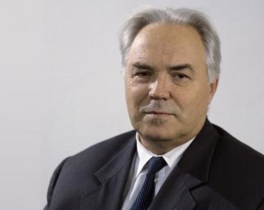 وفاة ميخائيل سيمونوف كبير المصممين في مكتب