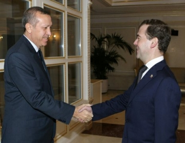 مدفيديف وأردوغان يبحثان في موسكو التعاون الثنائي والوضع في الشرق الأوسط