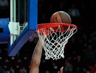 الجلاء يكسب اللقاء الأول في نهائي بطولة غرب آسيا لكرة السلة