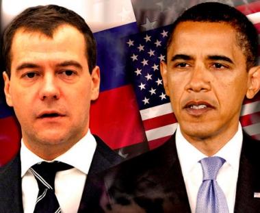 مدفيديف وأوباما يبحثان هاتفيا الوضع حول ليبيا