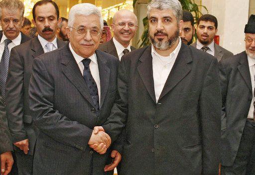 عباس ومشعل يلتقيان في مكة المكرمة عام 2007
