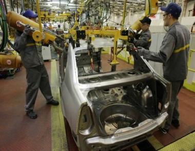 معدل زيادة حجم الإنتاج الصناعي في روسيا يسجل رقما قياسيا منذ أغسطس/آب 2006