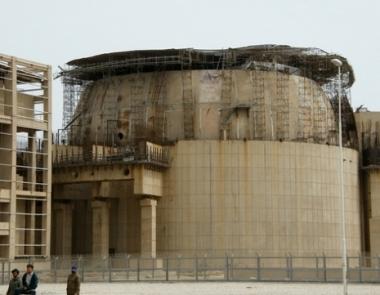البرلمان الايراني يشكل لجنة لدراسة الوضع في محطة بوشهر الكهرذرية