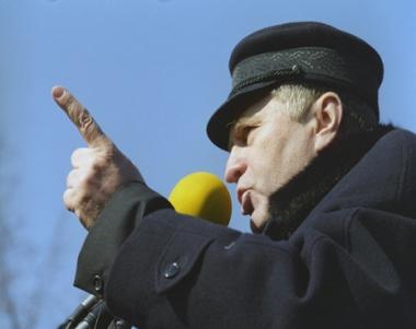 الحزب الليبرالي الديمقراطي الروسي ينظم تجمعا في وسط موسكو ضد عملية الناتو في ليبيا