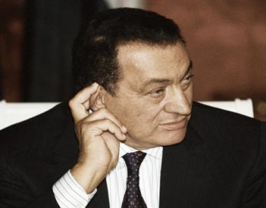 مبارك يؤكد استعداده مساعدة النائب العام للكشف عن أي أرصدة له بالخارج