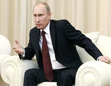 بوتين: حجم الدخل الإضافي للميزانية الروسية من قطاع النفط والغاز قد يصل عام 2011 إلى 40،6 مليار دولار