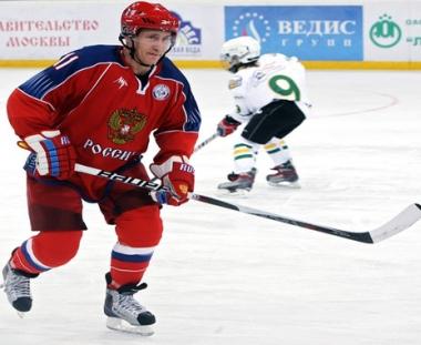 بوتين يعد بتوسيع القاعدة الرياضية في البلاد