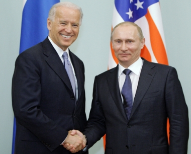 البيت الابيض: بوتين وبايدن ينويان الحفاظ على وتيرة تطور العلاقات الروسية الامريكية