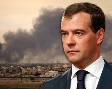 مدفيديف: روسيا على استعداد للمشاركة في الوساطة لتسوية الوضع في ليبيا