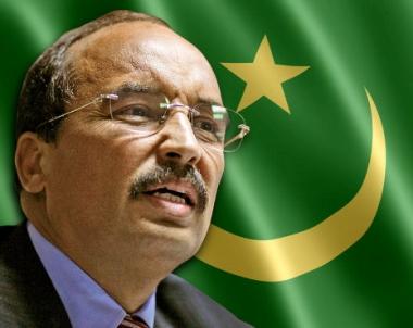 مئات الشبان الموريتانيين يتظاهرون وسط نواكشوط ضد الرئيس عبد العزيز