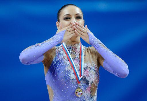 يفغينيا كانايفا – رياضية روسية بطلة العالم في الجمباز الايقاعي