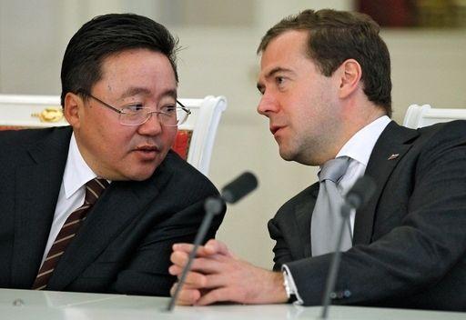 مدفيديف يدعو الى تنويع التبادل التجاري بين روسيا ومنغوليا
