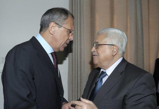 لافروف يبحث مع عباس سبل استئناف المفاوضات بين الفلسطينيين والاسرائيليين