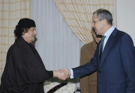 سيرغي لافروف ومعمر القذافي (صورة من الأرشيف)