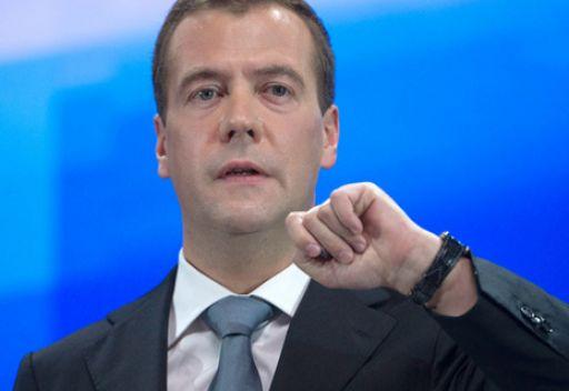 مدفيديف يدعو الى الثقة بالرياضيين الروس