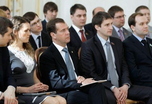 مدفيديف لا يرى بديلا لشكل السلطة الرئاسي في البلاد