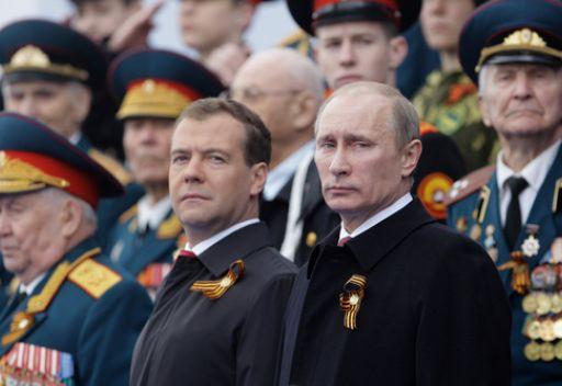 مدفيديف: سيجري تسليح الجيش الروسي باحدث الاسلحة