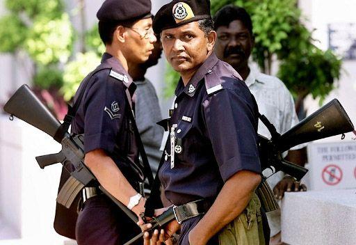 الشرطة الماليزية تحتجز عشرات المعارضين منعا لتنظيم احتجاجات ضد الحكومة