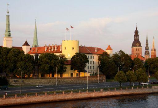 أندريس برزينيش رئيسا جديدا لجمهورية لاتفيا