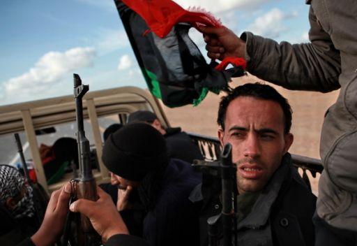 الإتحاد الأوروبي يدعو أنصار القذافي إلى التوقف عن تقديم الدعم له