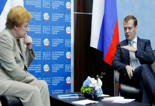 مدفيديف يشيد بالمستوى العالي للعلاقات الروسية الفنلندية