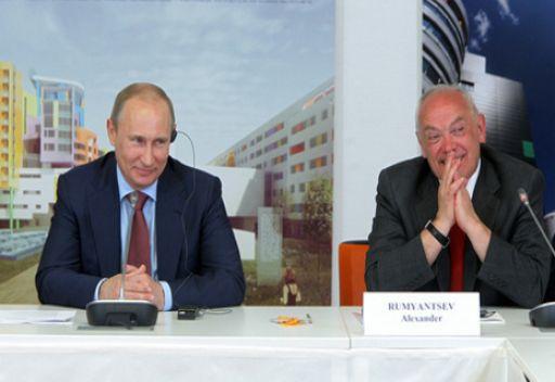 بوتين: مركز الاورام السرطانية للاطفال هو ساحة علمية دولية