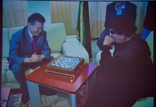 رئيس اتحاد الشطرنج الدولي يرغب في زيارة القذافي مجددا