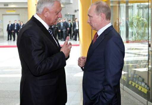 لقاء بوتين ومياسنيكوفيتش في مينسك في 19 مايو/أيار 2011