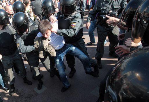 موسكو.. توقيف أحد المتظاهرين