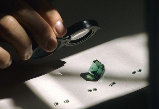 العثور على خاتم مرصع بالزمرد قيمته نصف مليون دولار