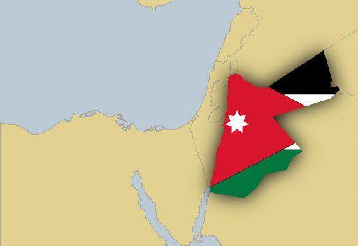 آلاف الأردنيين يتظاهرون في عمان للمطالبة يإصلاحات سياسية ومكافحة الفساد