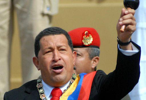 تشافيز يدعو أوبك إلى زيادة حصة فنزويلا